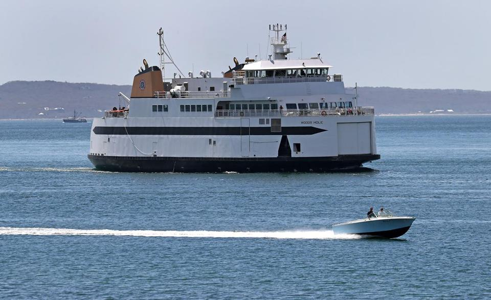 A Steamship Authority ferry traveled from Woods Hole to Martha's Vineyard.